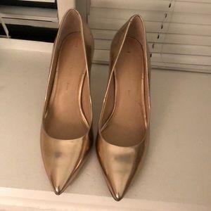 Women's rose gold banana republic heels. Size 8